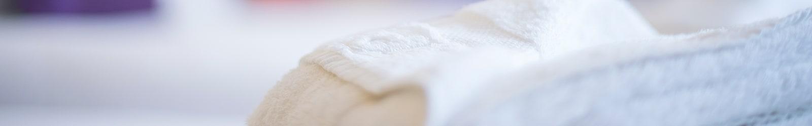 Bedroom Towels On Bed Banner 1